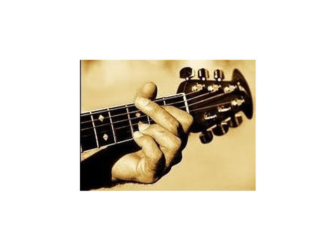 One to one guitar lessons 15€/h or 10€/pers if more than one - Music/Theatre/Dance