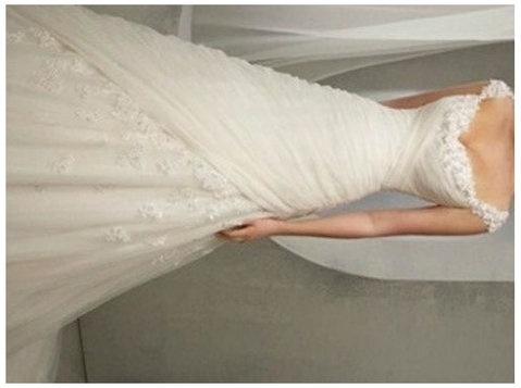 Beautiful wedding dress - لباس / زیور آلات
