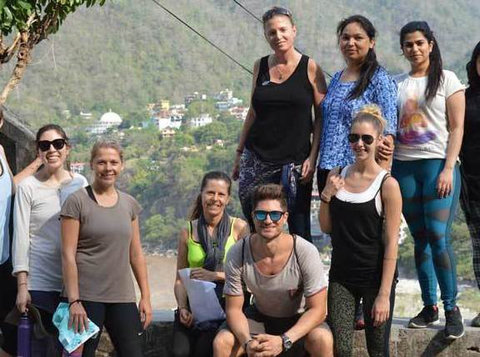 Yoga Retreat in Rishikesh, India - Deportes/Yoga
