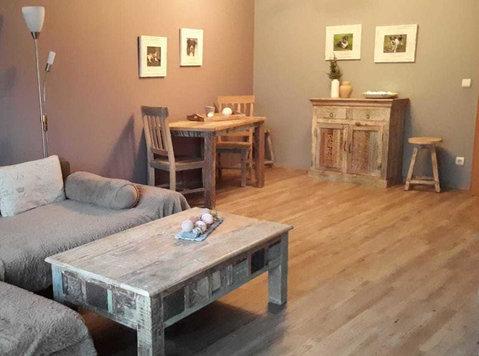 Vintage meubelen bij brocante interieur (teakpaleis) - Έπιπλα/Συσκευές