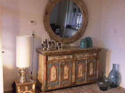 Vintage meubelen bij brocante interieur (teakpaleis) - Meubels/Witgoed