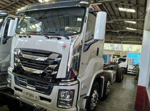 isuzu giga cyh ql1310u1vdhy rigid truck cab & chassis 8x4 - Biler/motorcykler