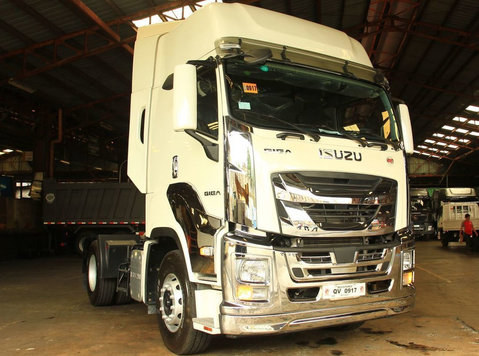 isuzu giga e-series tractor head trucks prime mover - گاڑیاں/موٹر بائک