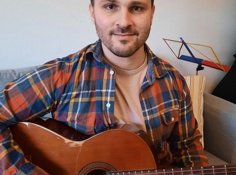 (ONLINE) GITARRENUNTERRICHT / GUITAR CLASSES - Musikk/Teater/Dans
