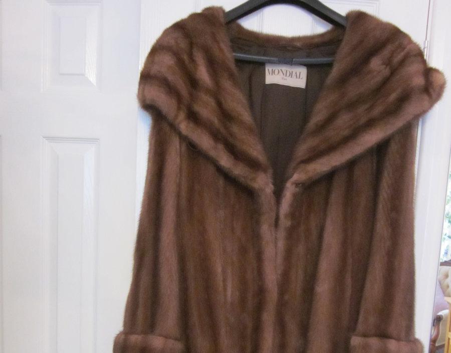 Beautiful Ladies Mink Fur Coat Christmas Gift Clothing
