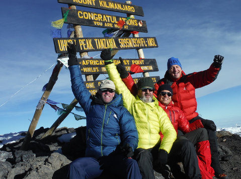 Joining group Kilimanjaro climbing trips is available - Viagens/Caronas