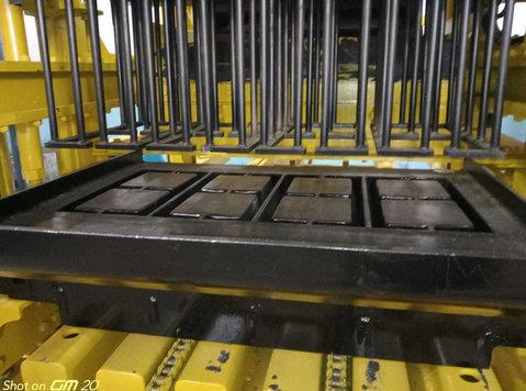 machine fabrication de brique, parpaing, pavés autobloquant - Autres