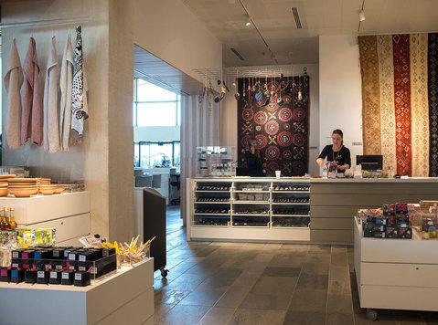 Best Retail display manufacturer in Europe ! - Furniture/Appliance