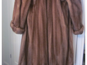 Beautiful Ladies Mink Fur Coat with large shawl collar - Clothing/Accessories