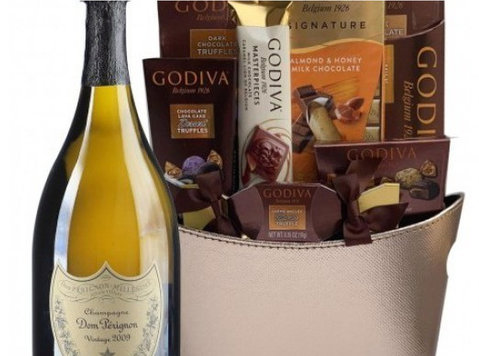 Get Champagne Gift Basket hassle Free Delivery - Buy & Sell: Other