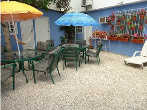 Chescos Hostel & Hotel - Hotels & Hostels