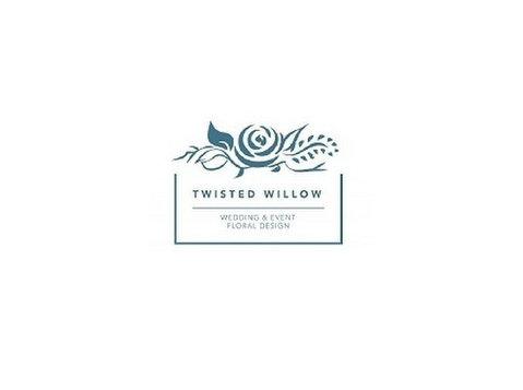 Twisted Willow Design - Lahjat ja kukat