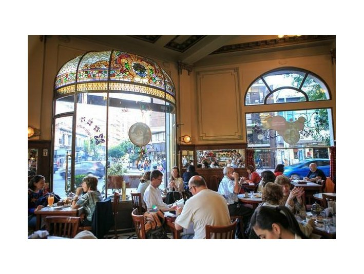 Spanish in coffee stores - Adult education
