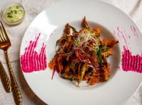 Gaylord Indian Restaurant (7) - Restaurants