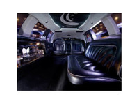 Stretch Limo Hire Brisbane (1) - Car Rentals