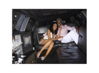 Stretch Limo Hire Brisbane (2) - Car Rentals