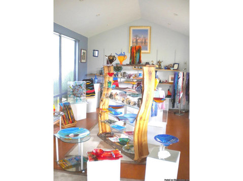 Glass Gallery Dardanup West | 5th Element Art Glass Studio - Shopping