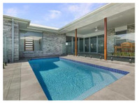 Donemans Pool Centre (2) - Swimming Pool & Spa Services