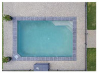 Donemans Pool Centre (3) - Swimming Pool & Spa Services