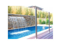 Dimension One Glass (3) - Swimming Pools & Baths