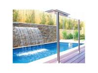 Dimension One Glass (4) - Swimming Pools & Baths