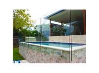 Dimension One Glass (7) - Swimming Pools & Baths