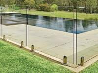 Dimension One Glass (8) - Swimming Pools & Baths