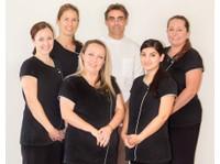 Alex Bratic Dental Care (3) - Dentists