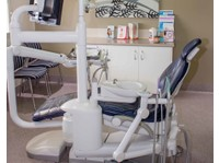 Alex Bratic Dental Care (4) - Dentists