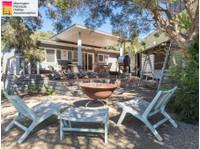 Mornington Peninsula Holiday Accommodation (2) - Accommodation services