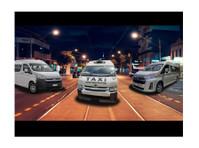 Maxi Cab Melbourne Airport (2) - Taxi Companies