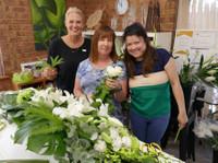 Flower Design School (1) - Gifts & Flowers