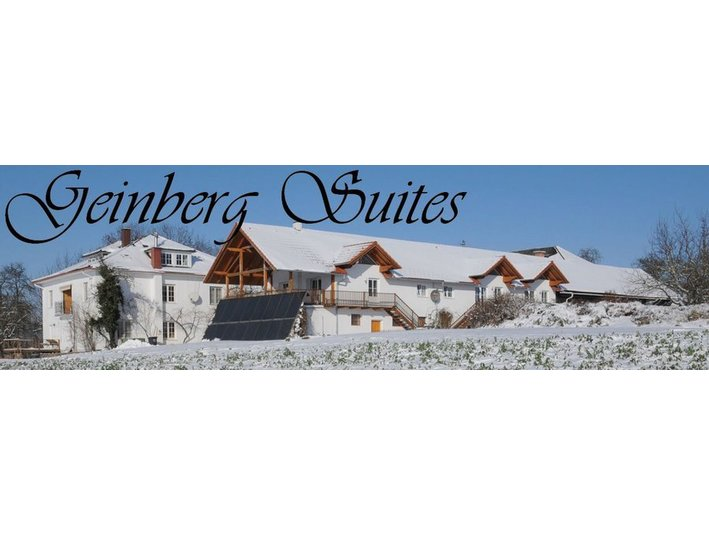 Geinberg Suites & ViaNova Lodges - Hotels & Hostels