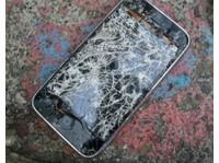 Costa Mesa Cell Phone Repair (1) - Computer shops, sales & repairs