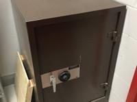 Emergency Locksmith Toronto (6) - Security services