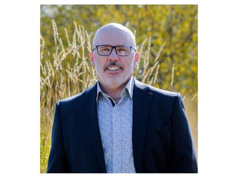Chris Hedstrom - Estate Agents