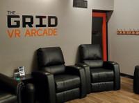 The Grid Vr Arcade (4) - Games & Sports