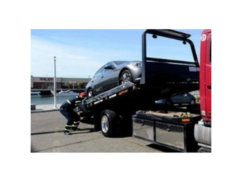 St Catharines Tow Truck - Car Transportation