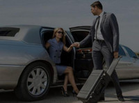 Black Tie Executive Limo (2) - Car Rentals