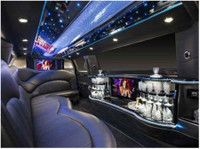 Black Tie Executive Limo (3) - Car Rentals