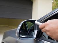 Affordable Garage Door Repair Scarborough (2) - Windows, Doors & Conservatories