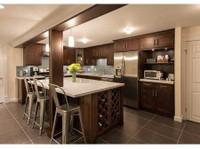 Cowry Cabinets Inc. (1) - Mobili