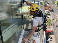 High Rise Window Cleaners (1) - Cleaners & Cleaning services