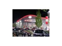 Applewood Kia Surrey (2) - Car Dealers (New & Used)
