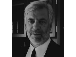 Timothy H. Leigh-Bell - Rechtsanwälte und Notare