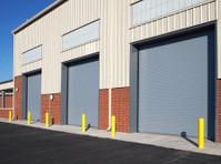 1800 Garage Doors (4) - Home & Garden Services