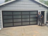 1800 Garage Doors (5) - Home & Garden Services