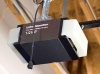 Quality Garage Door Repair Thornhill (1) - Windows, Doors & Conservatories