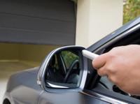 Quality Garage Door Repair Thornhill (2) - Windows, Doors & Conservatories