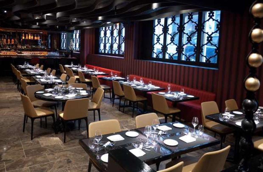 Sinclair restaurant vieux montreal restaurants in quebec for Restaurant jardin montreal